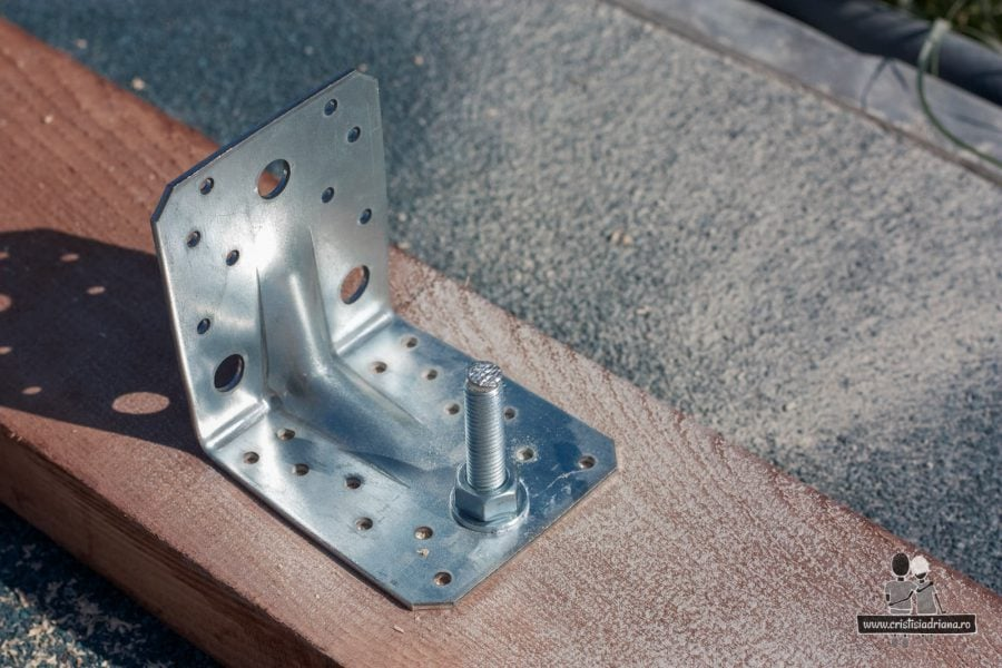 Coltar metalic imbinare lemn