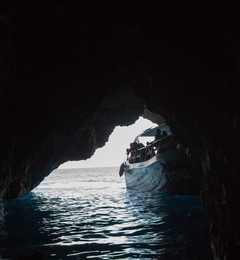 Vaporaș la Blue Caves, Zakynthos