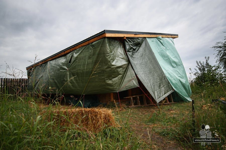 Casa acoperită cu prelate