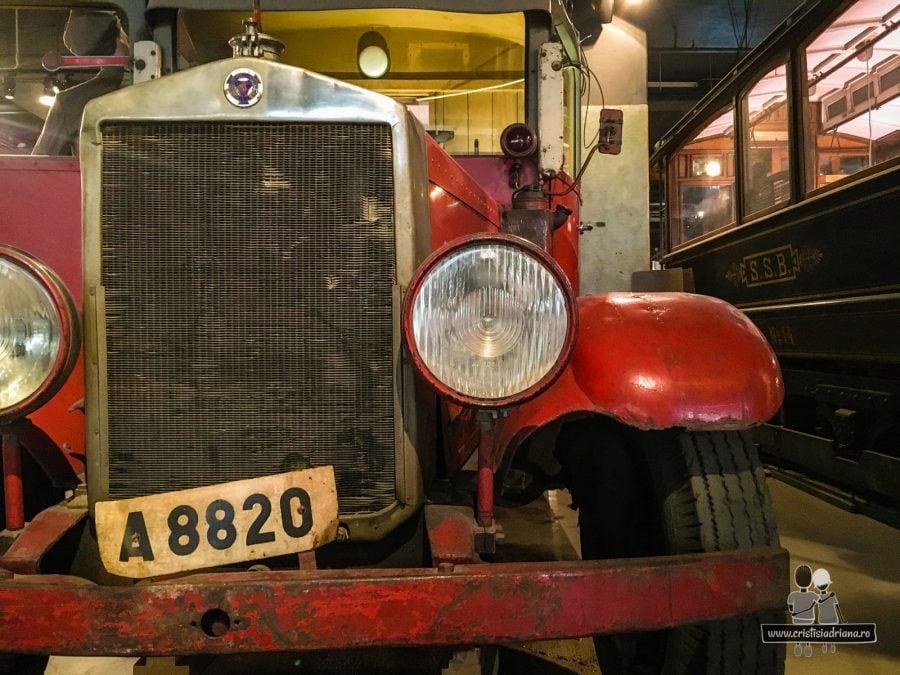 Alt autobuz roșu în Muzeul Transportului, Stockholm
