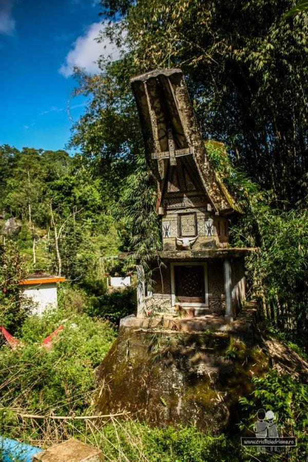 Casă-mormânt din Tana Toraja