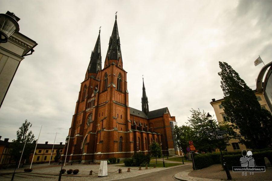 Catedrala din centrul Uppsalei. Înaltă bine, cam 119 m, abia o prinzi în poză