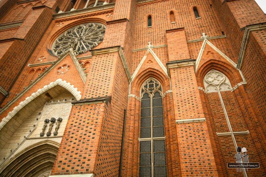 Catedrala din Upsala, mare și impunătoare, cum te aștepți de la orice catedrală serioasă
