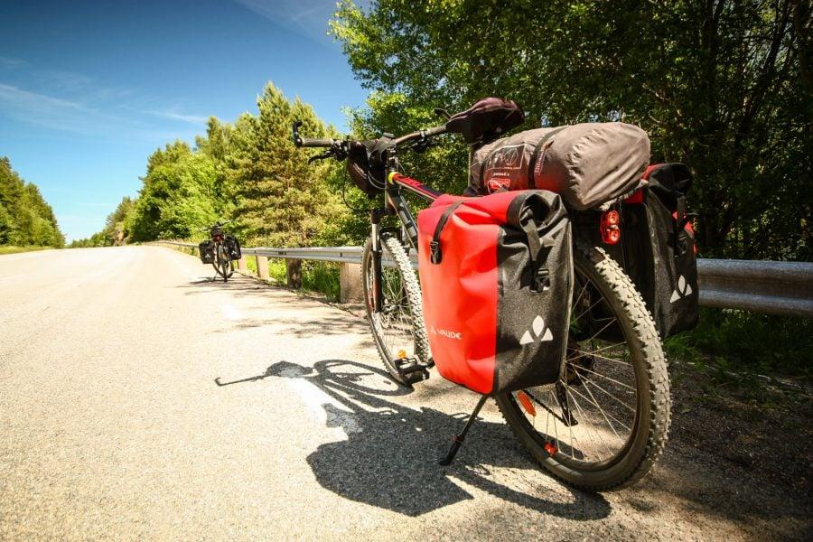 Bicicleta lui Cristi, Cube Attention rosu cu negru