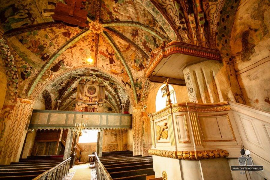 Biserica Harkeberga în interior