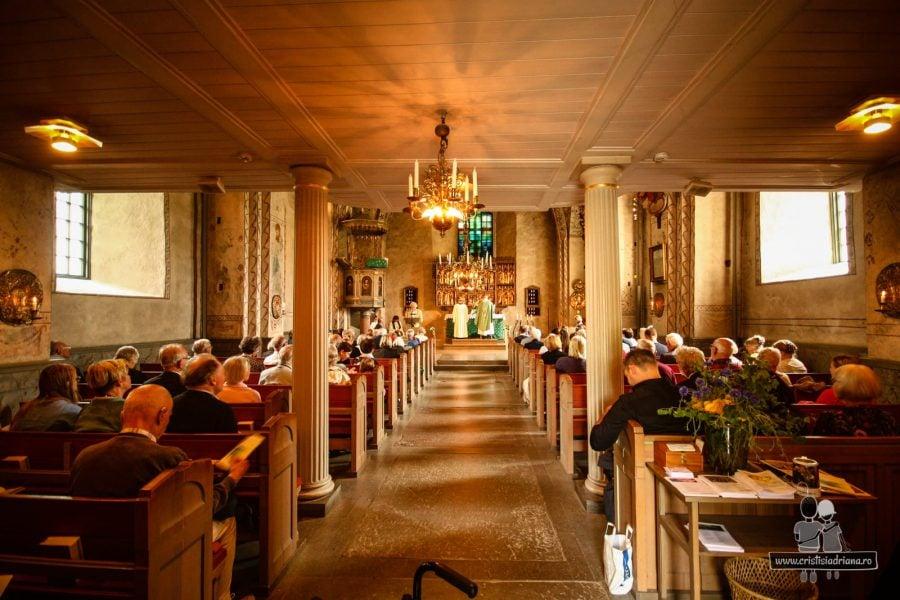 Slujbă în biserică în Suedia