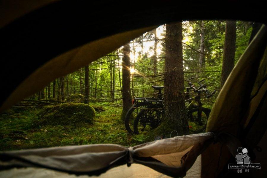 Vedere din cort