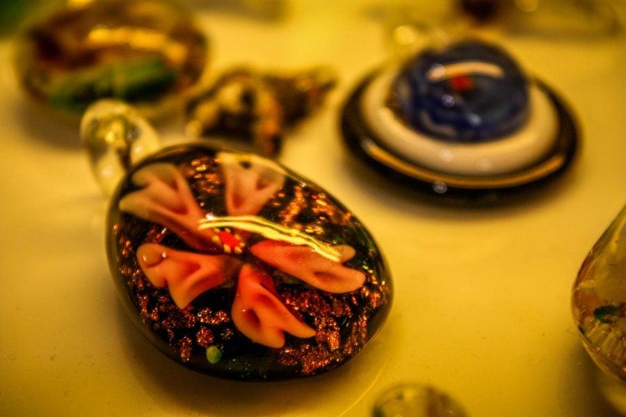 Bijuterii din sticlă Malaezia