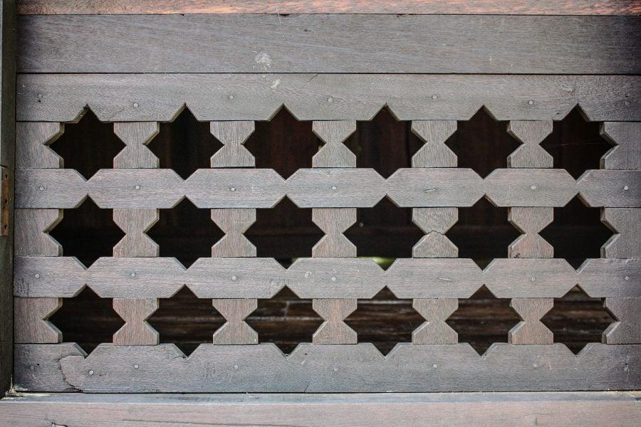 Detaliu fereastră de lemn Mahsuri