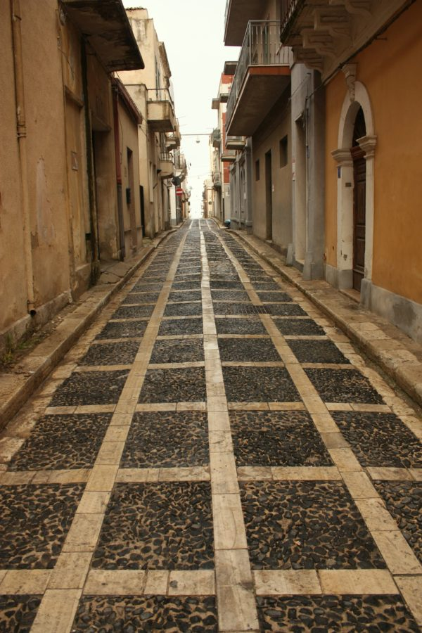 Stradă în Pacino, sudul Siciliei