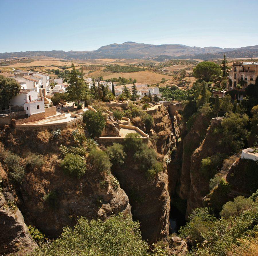 Valea săpată de Rio Guadalevin în Ronda, Spania