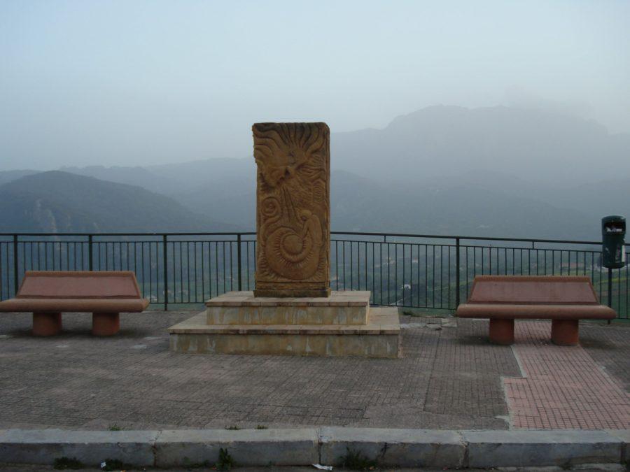 Vedere asupra Marineo și vântul Scirocco