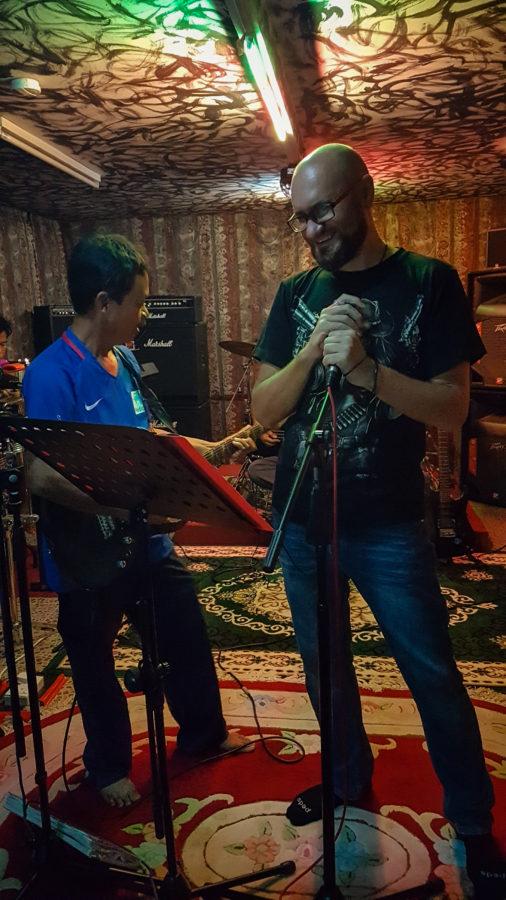 Rock'n Roll homemade Karaoke in Brunei