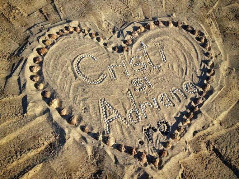 cristi si adriana - inima pe plaja din vadu